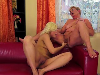 Hardcore Granny Gets Her Pussy Licked